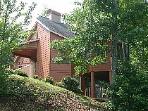 Pigeon Forge Secluded Chalet with Swimming Pool Access