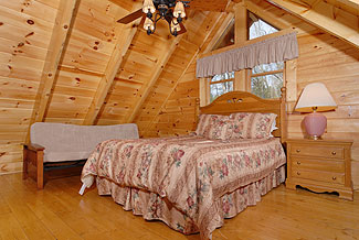 pigeon forge upstairs bedroom