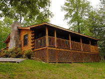 Pigeon Forge Cabin with Internet access with seclusion in the woods still easily accessible to Pigeon Forge