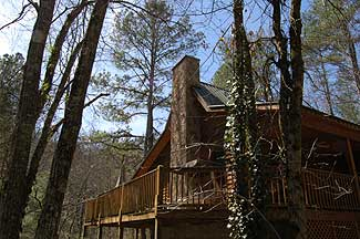 Pigeon Forge Secluded Cabin Surrounded by Woods