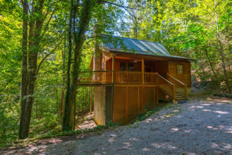 Pigeon Forge One Bedroom Plus Loft Cabin Rental-Honeymoon Getaway