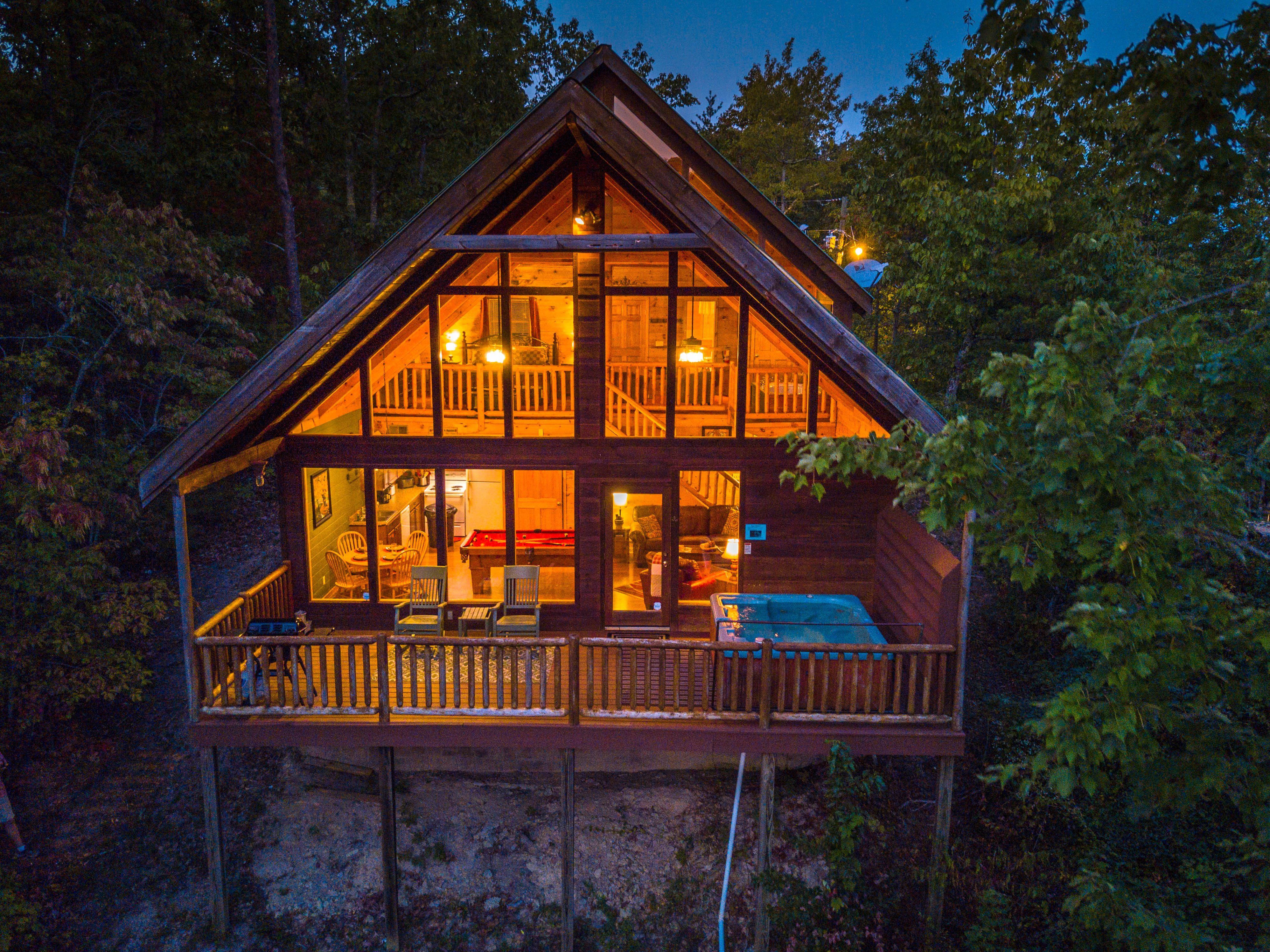 Fireside Chalet and Cabin Rentals-Pigeon Forge Tennessee Vacation