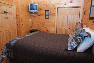 Tennessee Vacation Cabin Rental Bedroom