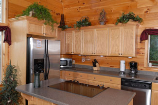 Pigeon Forge wood cabin with a deluxe kitchen