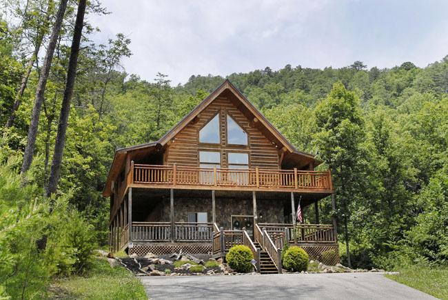 Rising wolf lodge walden 39 s creek 124 2 bedroom loft for Grandview lofted barn cabin