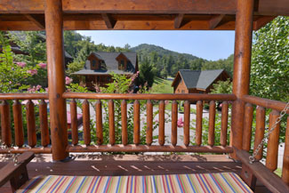 Pigeon Forge One Bedroom Cabin Rental over looking the Smoky Mountain Ridge Area