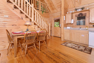 Pigeon Forge Cabin Getaway Convenient to the Parkway