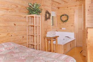 Pigeon Forge One Bedroom Plus Loft Cabin Rental Convenient to Pigeon Forge and the Parkway