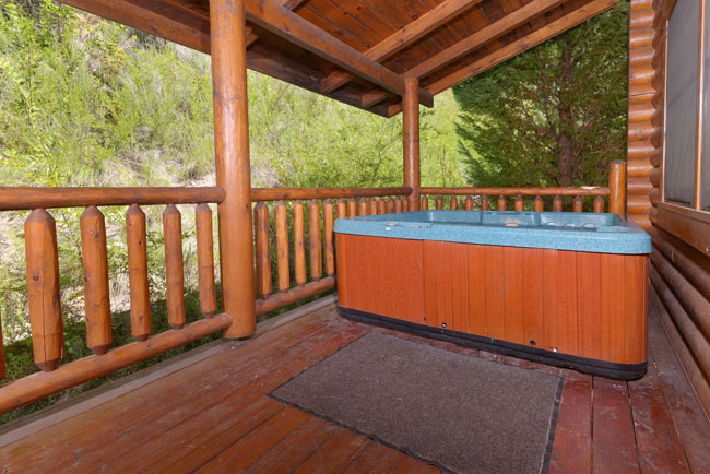 Pigeon Forge Outdoor Cabin Rental Hot Tub