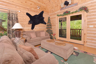 Tennessee Vacation Cabin Rental convenient to Pigeon Forge and all the Attractions of Gatlinburg