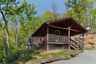rustic pigeon forge cabin