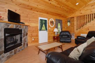 pigeon forge pet friendly cabin rental living area