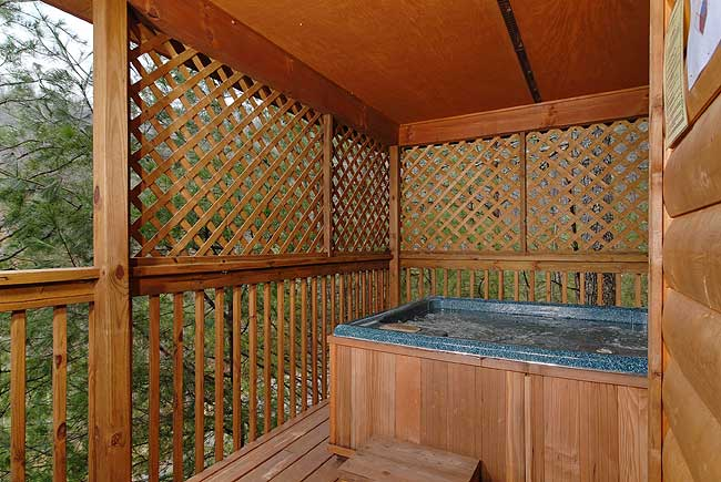 Flowering radiance hidden lakes estates wears valley 151 1 for Gatlinburg cabins with fishing access