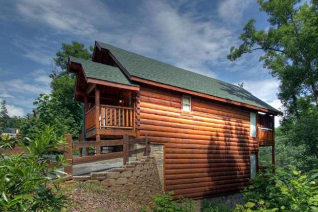 Emily 39 s bear hug black bear resort 155 smoky mountain 2 bedroom cabin for 2 bedroom hotels in pigeon forge