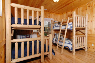 Pigeon Forge Cabin with Bunk Beds for Extra Sleeping