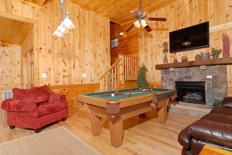 Pigeon Forge Seven Bedroom Cabin Gameroom