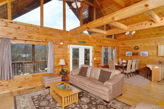 Pigeon Forge Cabin Lodge with a Large Kitchen Living Room and Dinning Room Area
