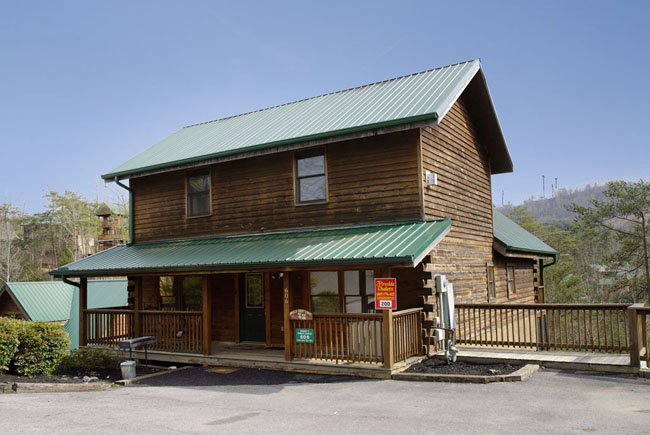 Pigeon Forge Large Seven Bedroom Cabin Rental-7 Bathroom