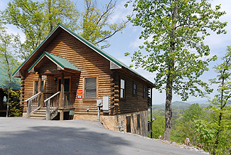 Pigeon Forge Convenient Two bedroom Cabin Rental