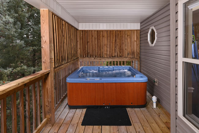 Pigeon Forge Two Bedroom Cottage Rental Hot Tub