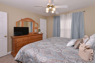 Pigeon Forge Cottage Rental Bedroom Area
