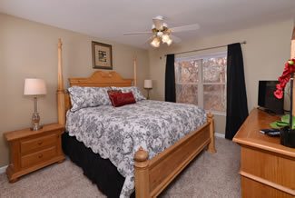 Pigeon Forge Two Bedroom Cottage Rental Master Bedroom Suite