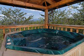 Picture yourself in this hot tub admiring the views of the majestic Smoky Mountains