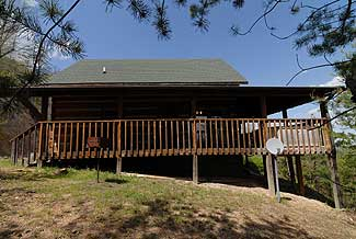 Angels Nest one bedroom plus loft bedroom cabin on Bluff Mountain