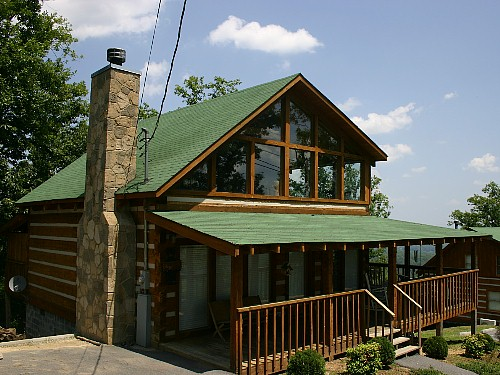 Pigeon Forge One Bedroom Plus Loft Cabin Rental that is Pet Friendly