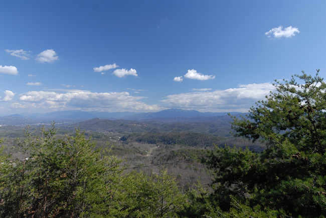 Pigeon Forge Cabin Rental with a Panoramic Mountain View
