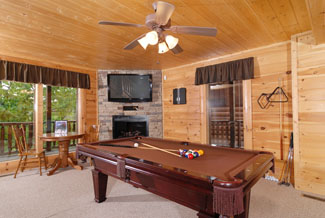 Cabin in the Smokies with a pool table