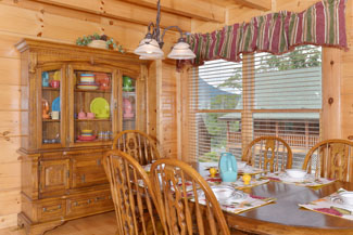 Pigeon Forge Dinning Area with a Dinning Room Hutch