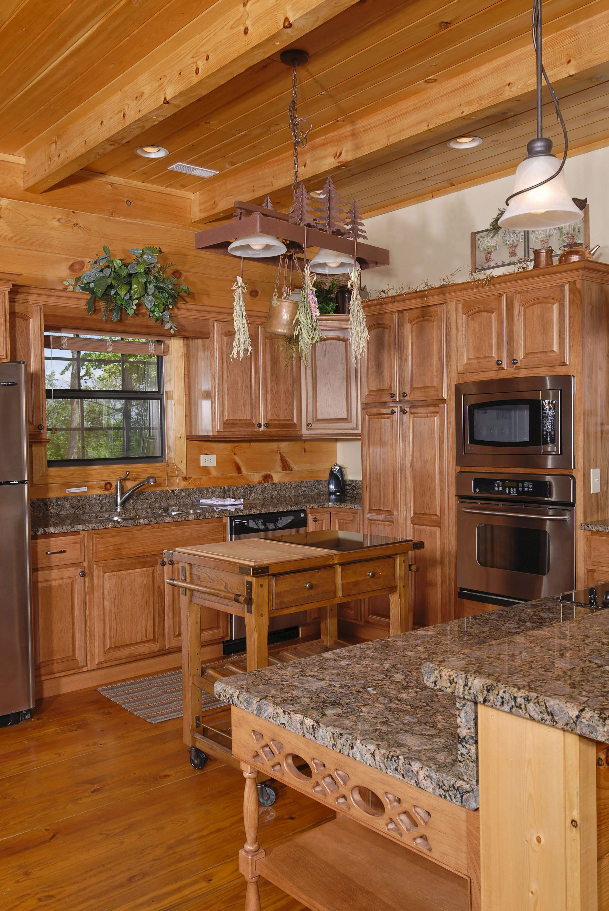 Pigeon Forge Vacation Mountain Cabin Rental