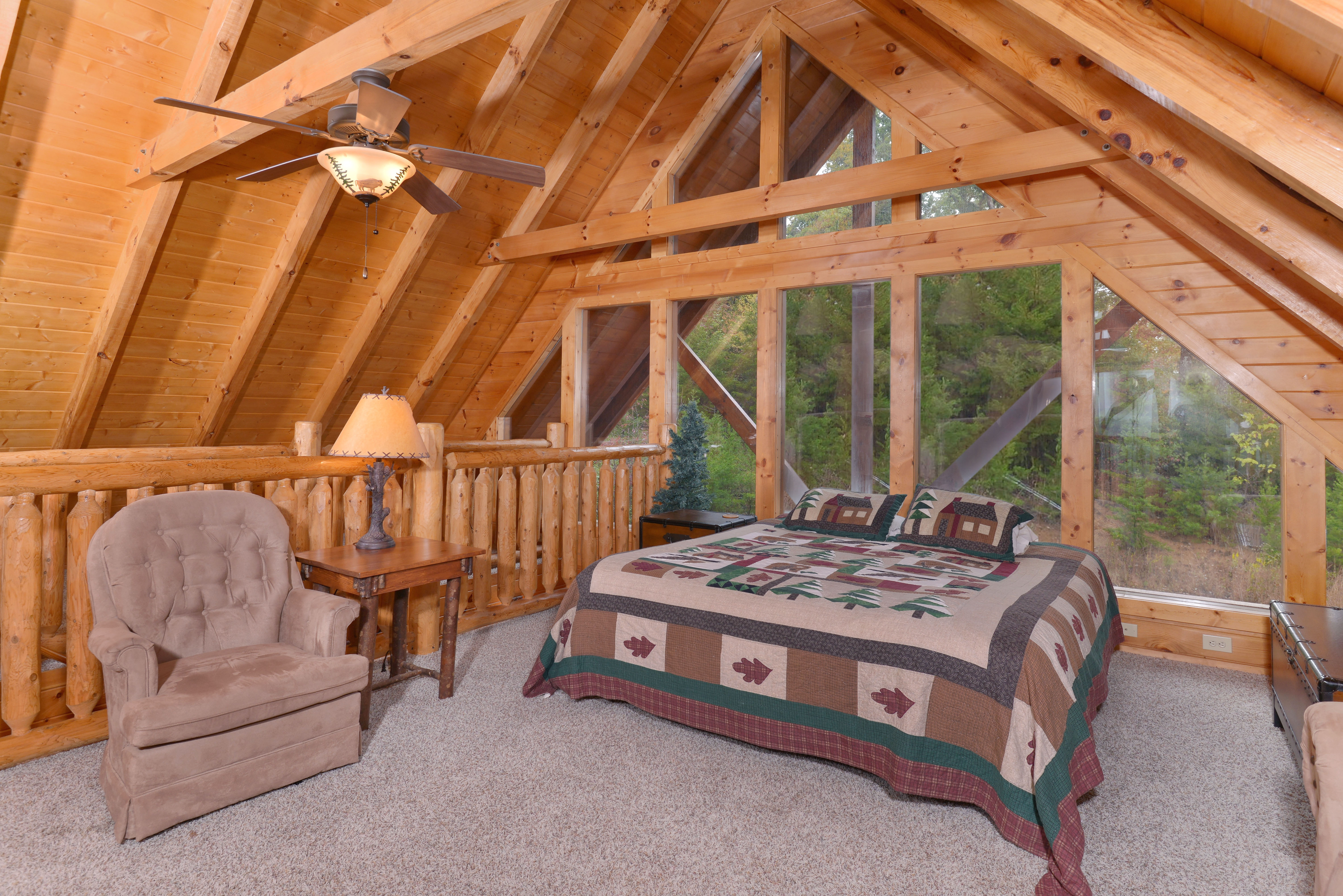 A View To Remember Nicoha 342 4 Bedroom Loft Handicap Accessible Luxury Cabin Pigeon