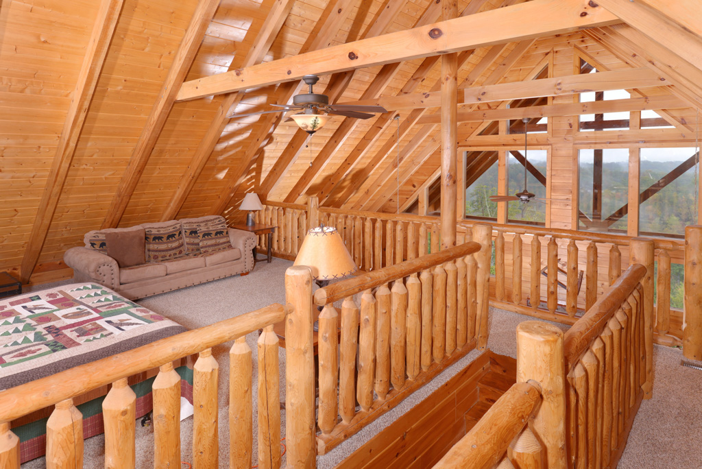 Pigeon Forge Cabin loft area that features a panoramic mountain view