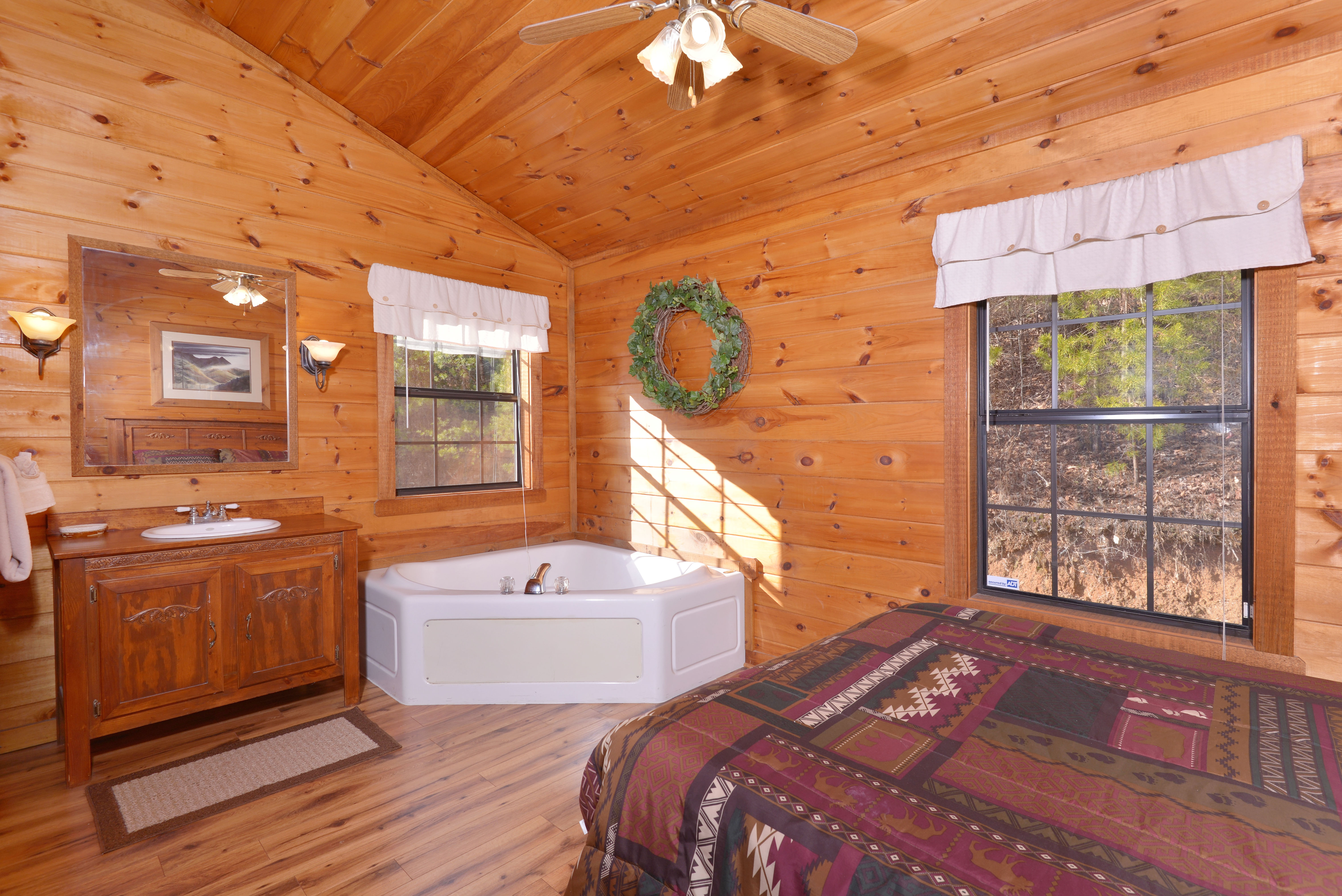 Pigeon Forge One Bedroom Cabin Rental Master Suite