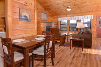 Pigeon Forge One Bedroom Cabin Rental Dinning Area