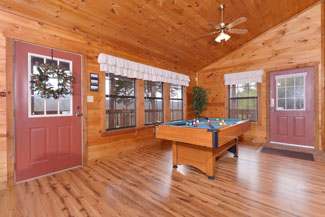 Pigeon Forge Cabin Game Table