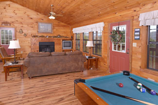 Pigeon Forge Honeymoon Cabin Rental Featuring Pool Table Mountain View King Size Bed