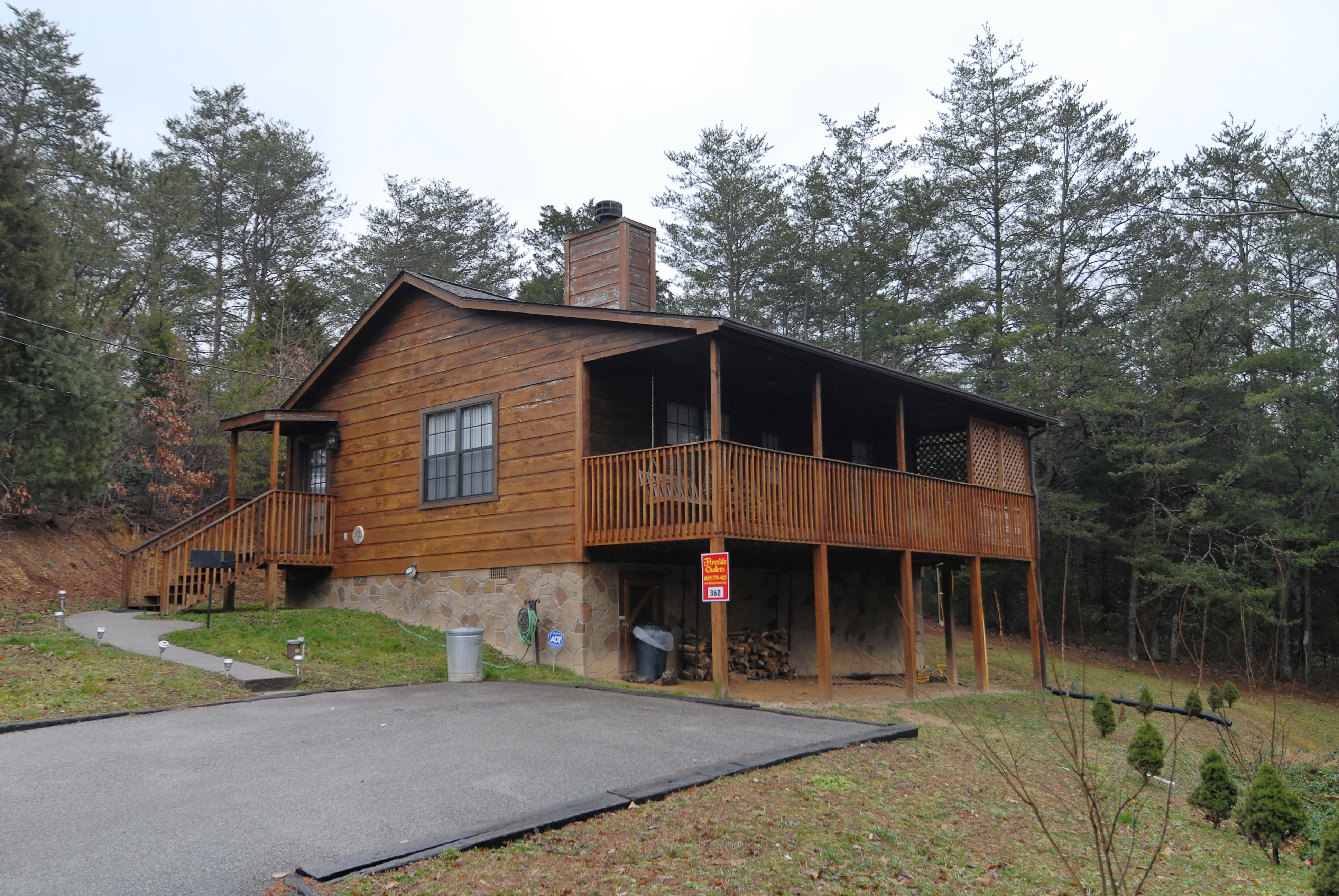 Pigeon Forge One Bedroom Secluded Cabin