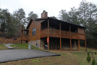 Pigeon Forge One Bedroom Cabin Rental in the Smokies that is Non Smoking