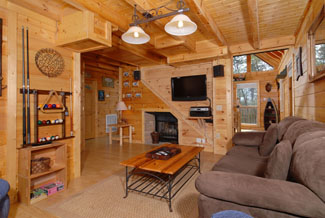 Tennessee Vacation Cabin Rental with extra sleeping in the living room sleeper sofa