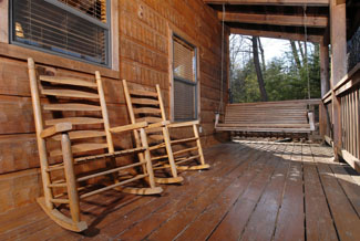 Pigeon Forge Vacation Cabin Rental with a Swing Set