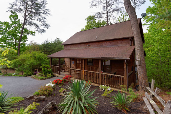 Pigeon Forge Vacation Cabin Three Bedroom Rental