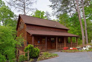 pigeon forge three bedroom cabin rental convenient to pigeon forge