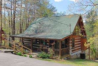 Pet Friendly Pigeon Forge Vacation Cabin Rental Convenient to Pigeon Forge Parkway