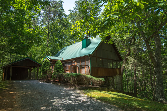 Secluded Pigeon Forge One Bedroom Cabin Rental Featuring a Whirlpool Hot  Tub Pool Table and a. Shady Ridge Pigeon Forge One Bedroom Cabin Rental Pool Table