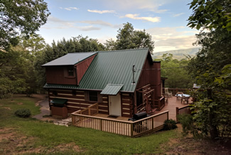 Pigeon Forge Wooded Cabin Rental