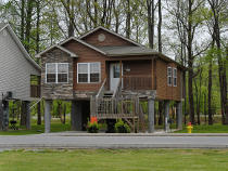 Pigeon Forge Chalet Rental with Creek Access
