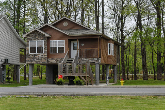 Pigeon Forge Cottage on Walden's Creek with River Access